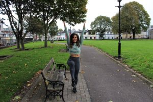 Park Bench Barre - Knee Lifts